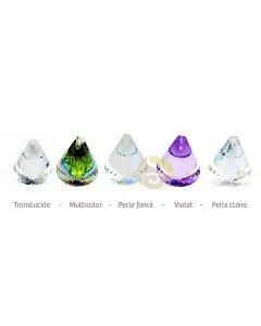 Cône de cristal facetté